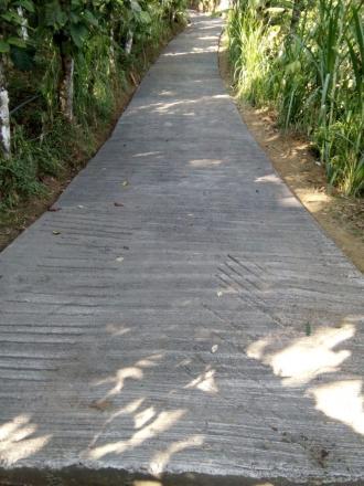 Betonisasi Jalan di Banjar Dinas Tukad Juwuk