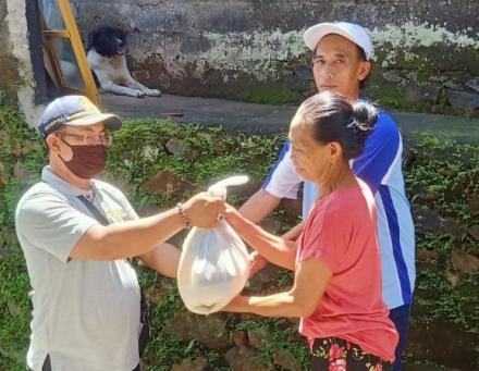 Sembako Dari Donatur Untuk Lansia 70 Tahun Ke Atas