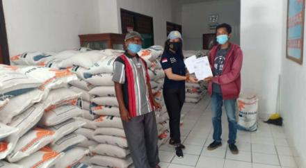 11 Ton Bantuan Beras Bulog untuk PKH Desa Selat